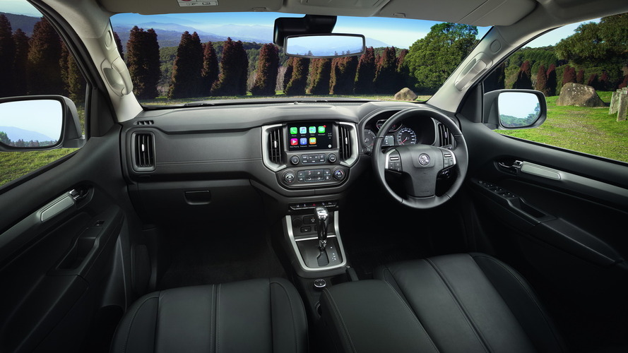 2017-holden-trailblazer-inside